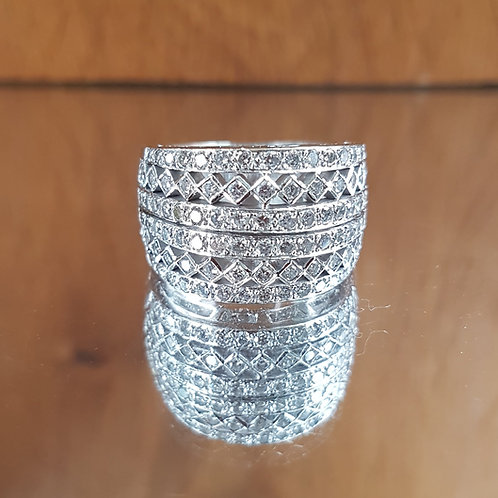 Stunning HEAVY 13g Quality 18ct white gold 2.1ct diamond encrusted ring