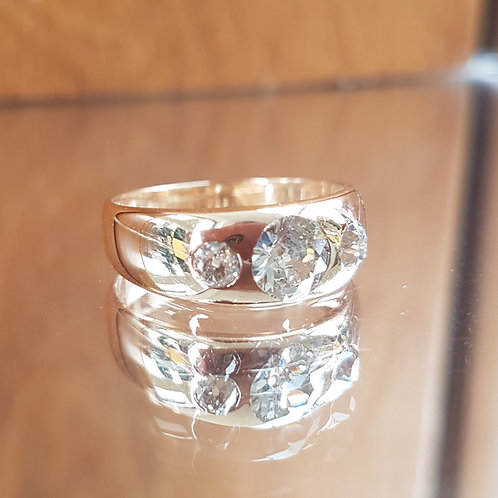 Exquisite 18ct Gold 1.4ct OLD CUT 3 diamond ring FREE Sizing