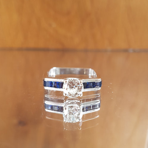 Exquisite 18ct white gold 0.70ct Old cut Diamond 2ct Sapphire ring