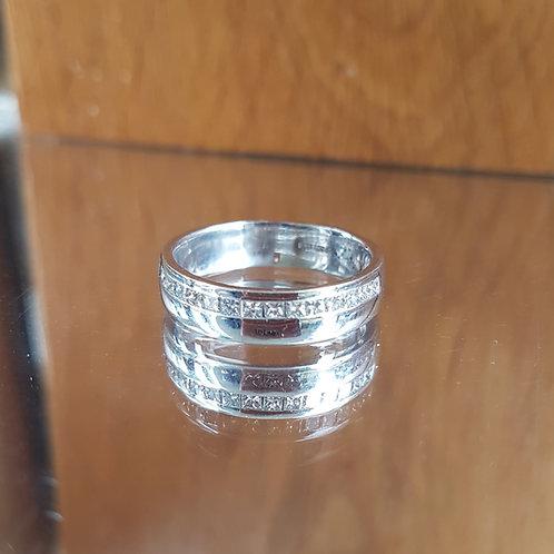 Stunning Quality 18ct white gold diamond half eternity ring FREE SIZING