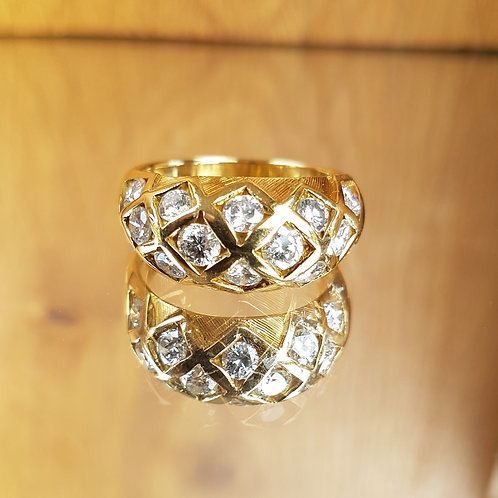 Stunning HEAVY 9g 18ct gold 2ct diamond Chequerboard Bombe ring