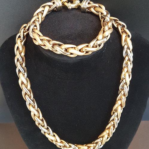 Exquisite Italian Arezzo 18ct Tri colour Spiga gold Necklace and Bracelet set.