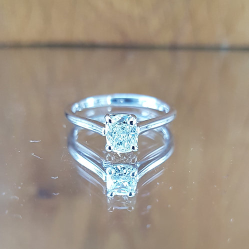 Stunning 14ct White Gold 0.50ct Cushion cut solitaire diamond ring Free sizing