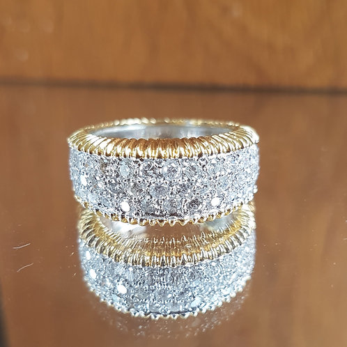 Stunning HEAVY Quality 18ct yellow and white gold 1.7ct diamond encrusted ring