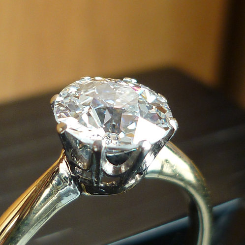 Exquisite 18ct gold 1.25ct OLD CUT solitaire diamond ring Colour F & VS clarity
