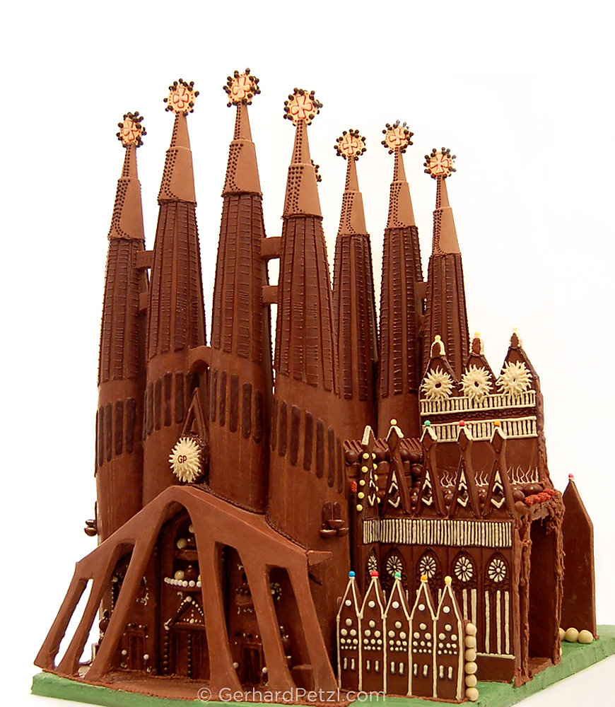 La-Sagrada-Familia in chocolate by Gerhard Petzl