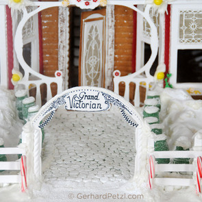 Gingerbread house by Gerhard Petzl - 15
