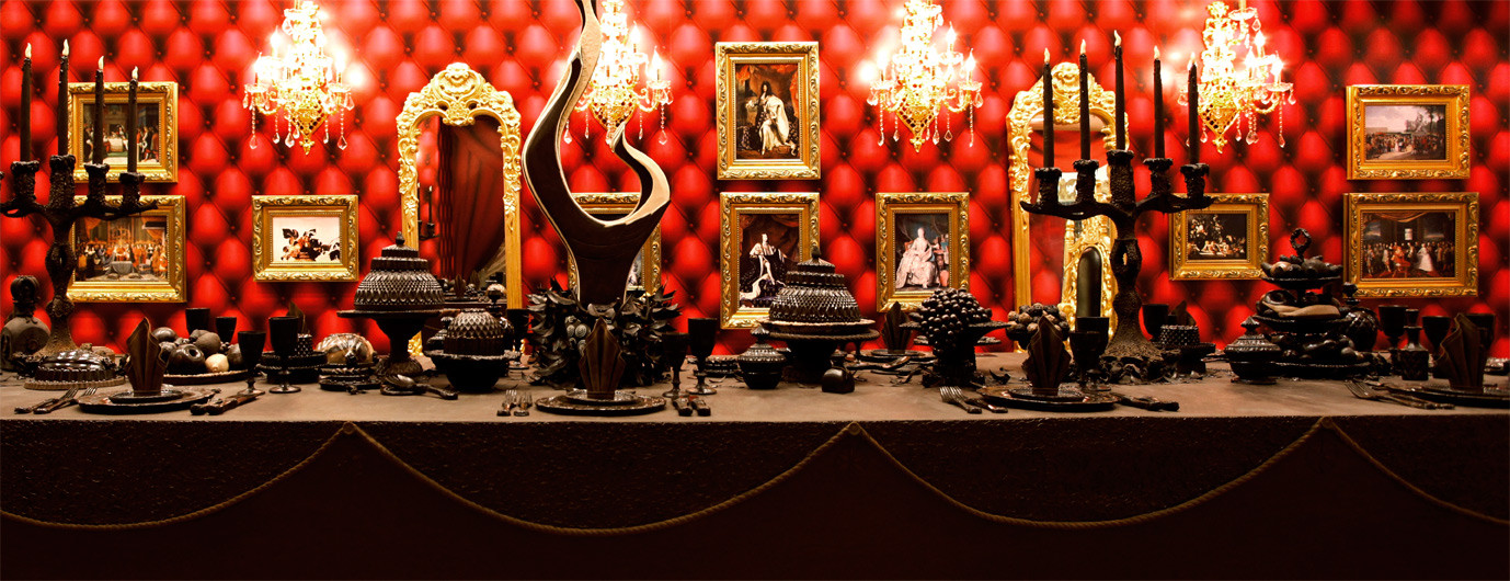 Royal Feast Baroque Table (Chocolate)