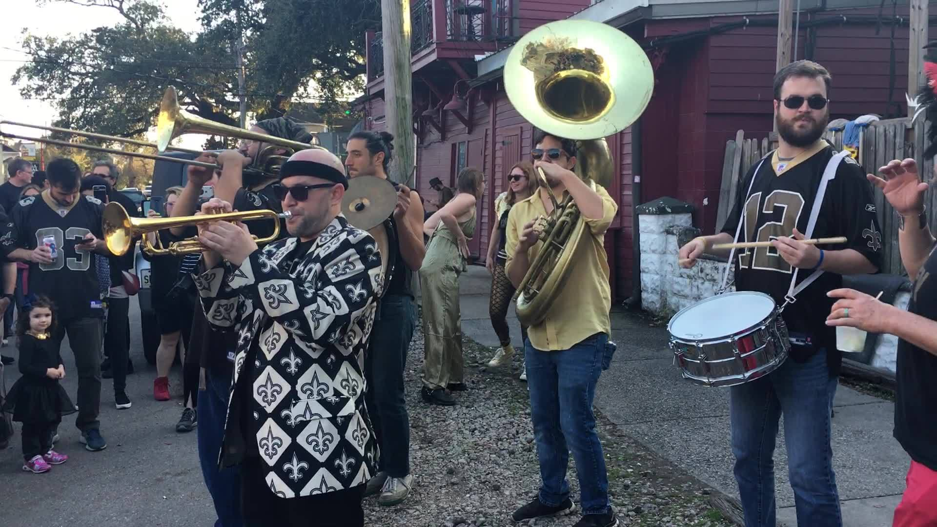 My first Anti-Super Bowl party! New Orleans is boycotting the Superbowl because of the bad/non-call in the playoff game against LA. That doesn't stop the parades and block parties. I think I love anti-Super Bowl!