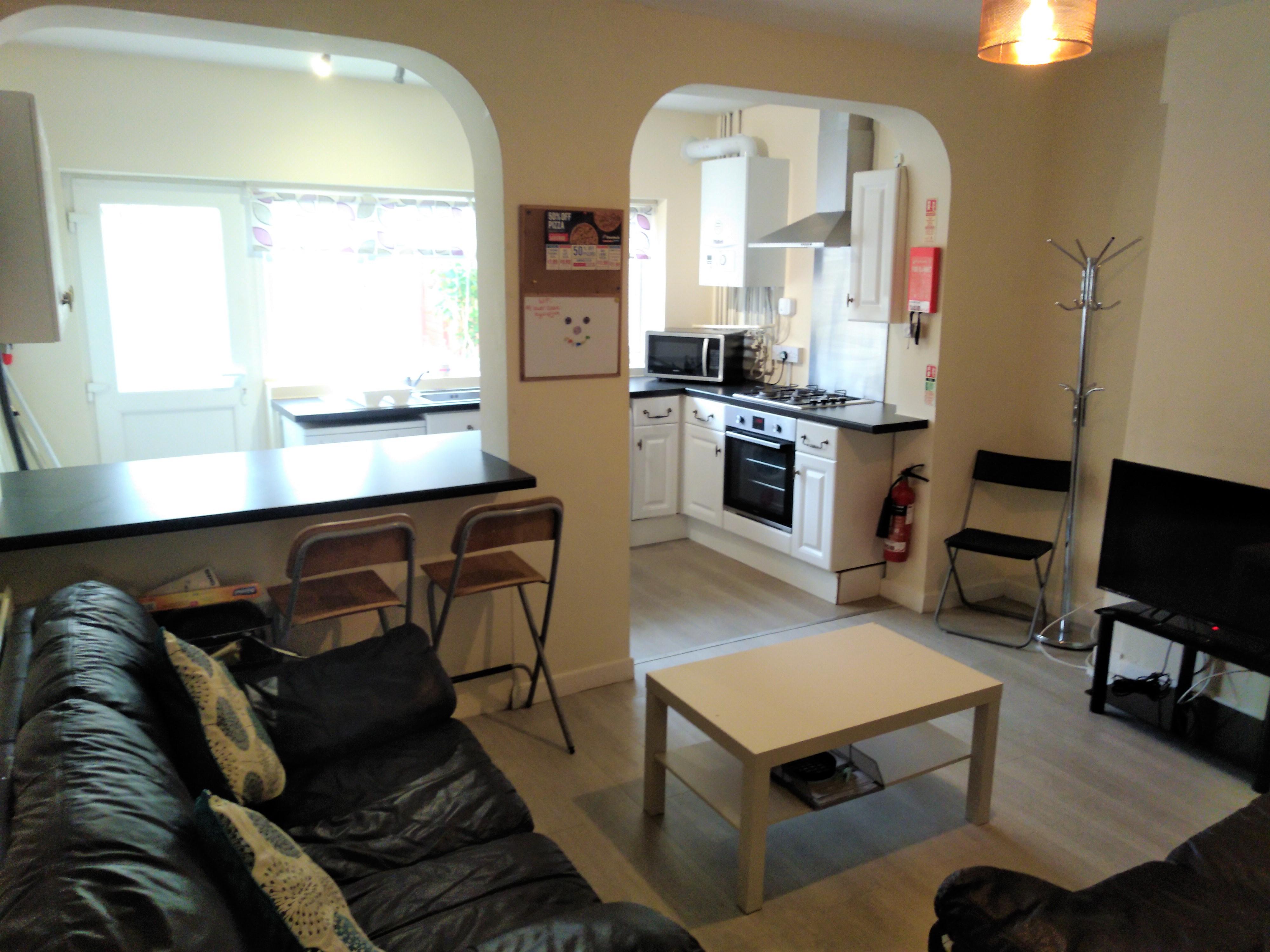 26_SP_Lounge_Kitchen