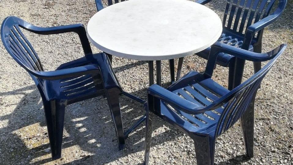 Campingtisch + 4 Sesseln