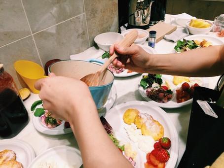 ルクルーゼのスキレットで作る ロシアの朝ごはん「シルニキ」ワークショップ
