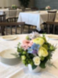 カジュアルウエディングテーブル装花