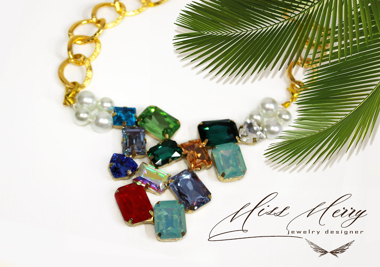 Miss_Merry_necklace_handmade_crystal.jpg