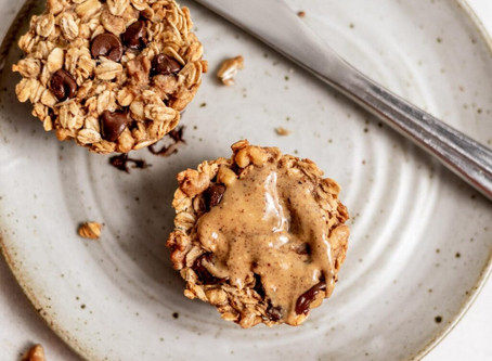 Vegan Baked Oatmeal Cups | Snacks