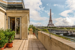 Penthouse Quai Kennedy, Paris