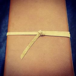 couvre livre cuir