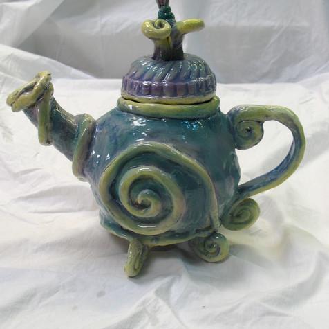 Spiral teapot