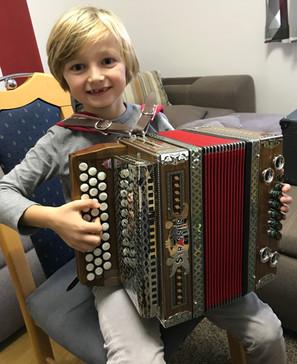 """""""Steirische Harmonika lernen ist coool...."""""""