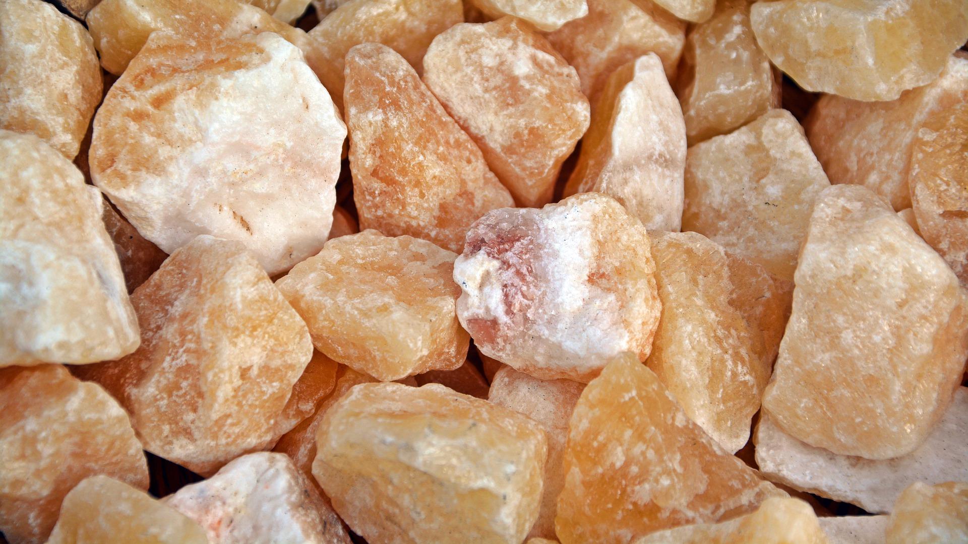 honey-calcite-4478256_1920