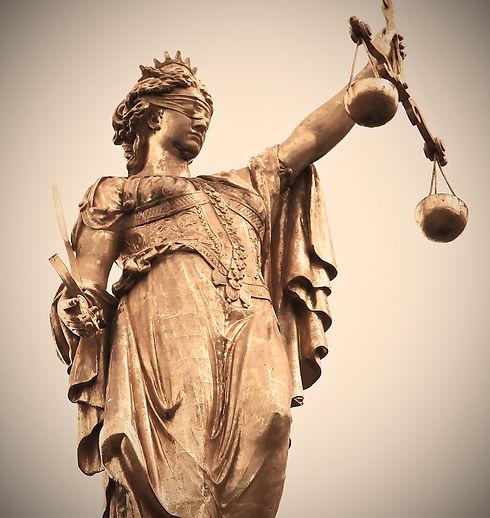 image symbolisant la justice et le respect de la loi de votre détective privé sur Saint-Malo