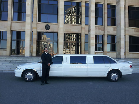 limousine-601462_1280.jpg