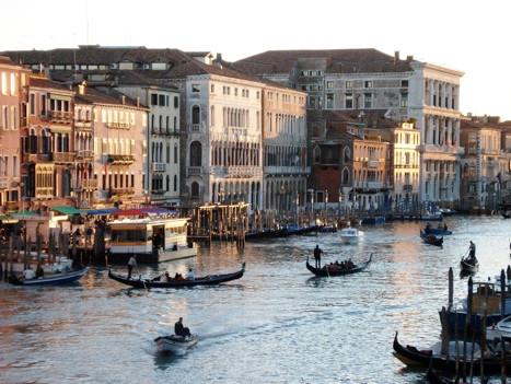 Венеция в лучах заходящего солнца