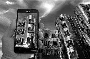 smartphone-2477583_1920.jpg