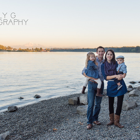 Fort Langley Family Session: Golden light & perfect children!