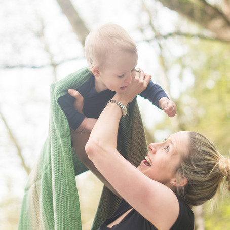 Family Session : Baby Wearing at Cates Park