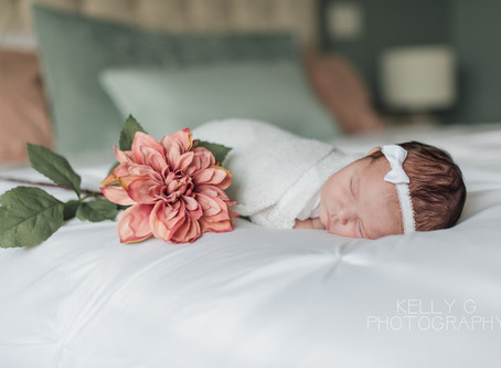 Newborn: Christmas Eve newborn lifestyle session in Surrey