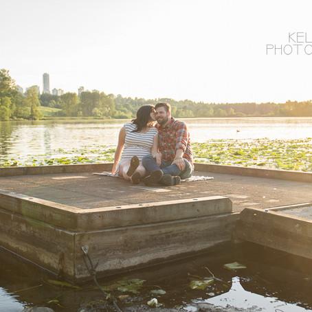 Maternity : Sunset session at Deer Lake
