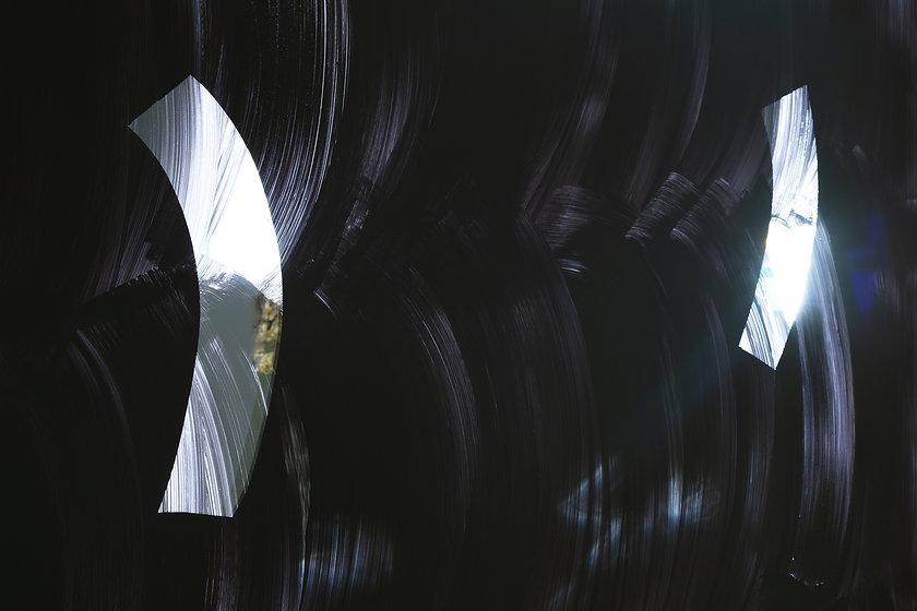 Ail Hwang, BLACK & BLANK, 2018, Latexfar
