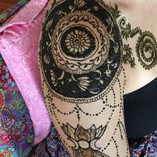 Mandala henna shoulder