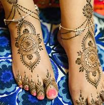 Designer feet henna