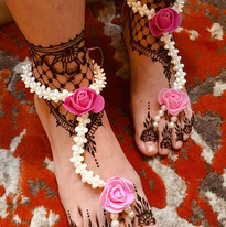 Feet lace