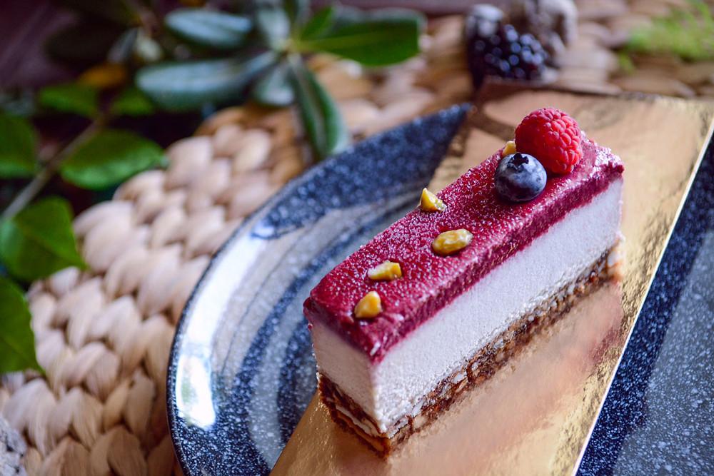 עוגת גבינה טבעונית עם פטל