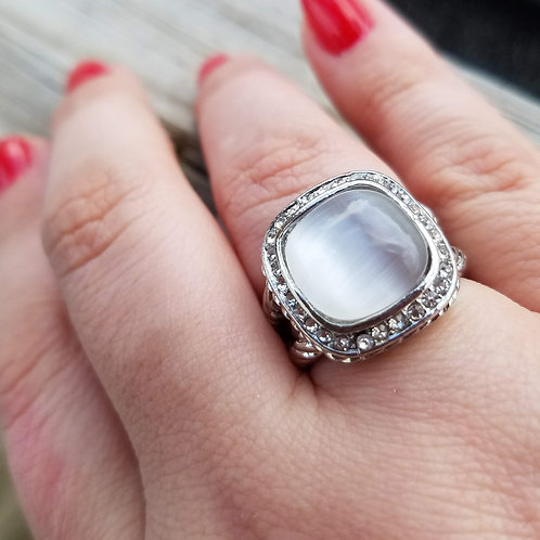 White/Clear Stretch Ring