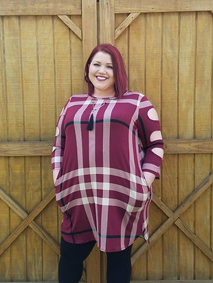 Burgundy striped tunic with hole arm detail. Size 3XL