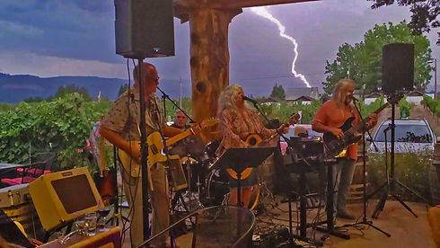 Tess Barr Band at Hood Crest Winery and Distillers