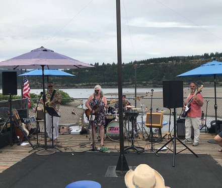 Tess Barr Band   Hood River Water Front