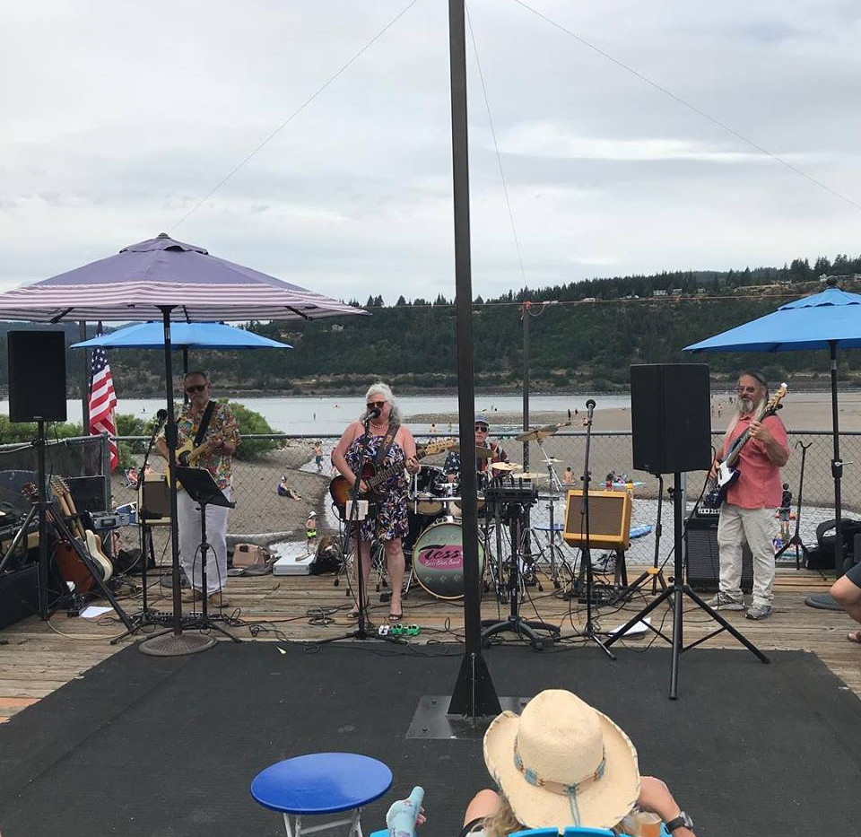 Tess Barr Band | Hood River Water Front