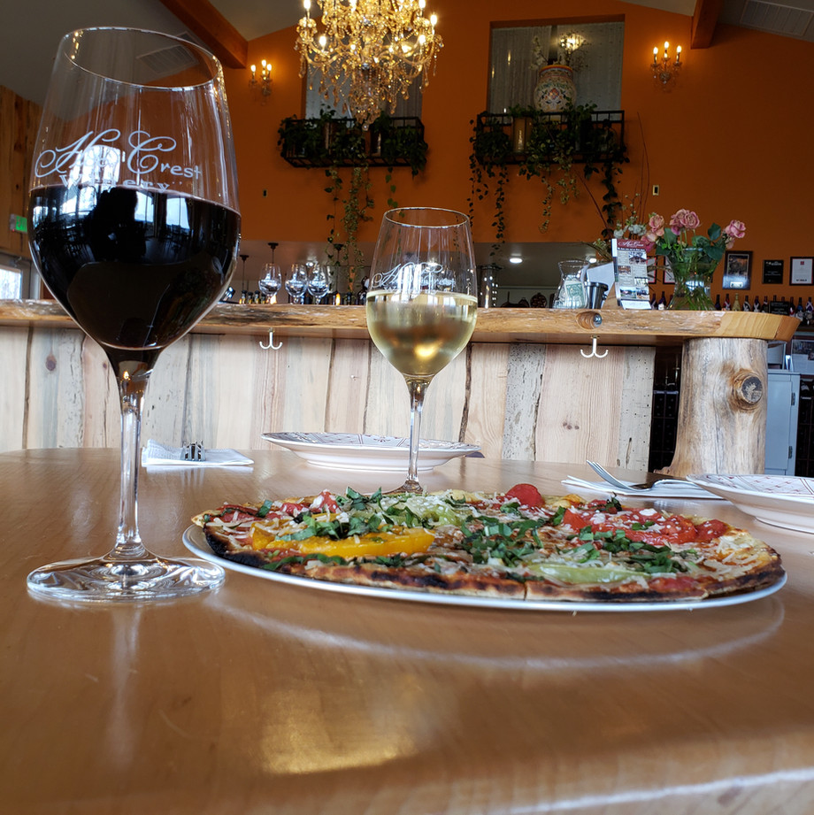 Hood Crest Pizza and Wine Parired Perfectly