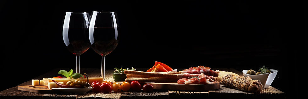Hood Crest Winery_Wine Club.jpg