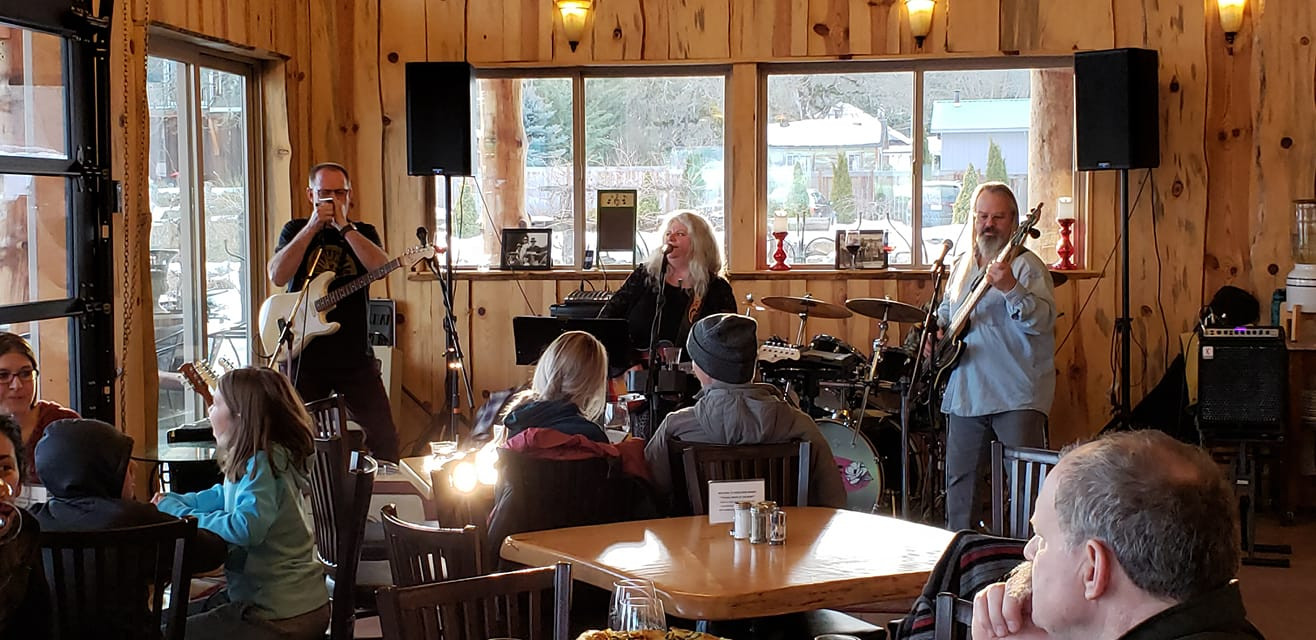 Tess and Patrik Barr at Hood Crest Winery