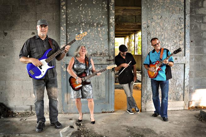 Tess Barr Band Photo Shoot.jpg