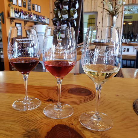 Hood Crest Winery Bronze Wine Club