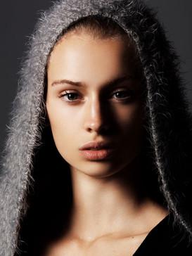 Justine Delacroix07