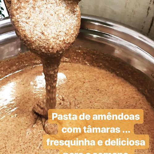 Pasta de Amêndoas adoçada com as tâmaras