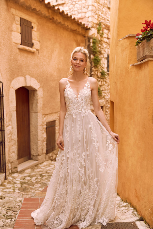 HARPER-ML2219-FULL-LACE-GOWN-WITH-PLUNGI